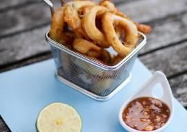 Beignets de calamars, sauce Satay